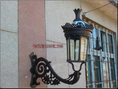 Cast iron wall lamp 3