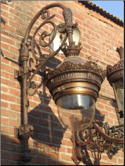 Cast iron wall lamp 2