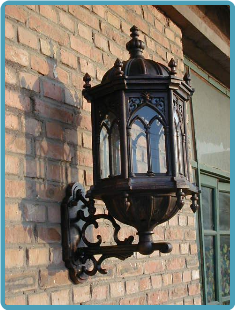Cast iron wall lamp 1